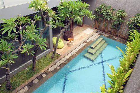 kumpulan  desain rumah kecil kolam renang terupdate