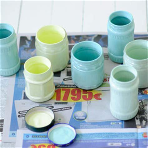 peindre des pots en verre colorer du verre avec de la peinture lego et pots