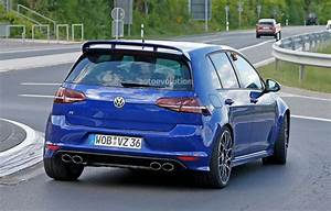 Golf R 400 : 2016 volkswagen golf r400 first spy photos show hyper hatch with awd autoevolution ~ Maxctalentgroup.com Avis de Voitures