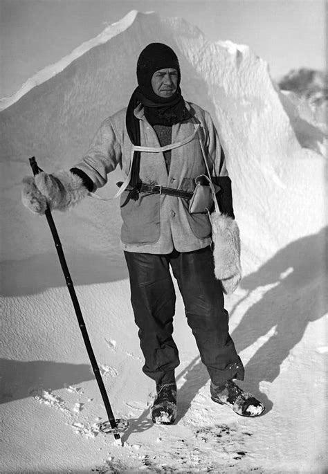 photographs documenting  heroic age  antarctic