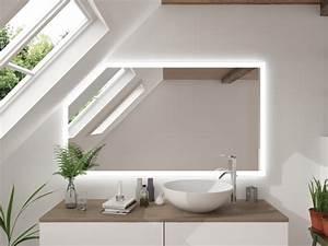 Bad Spiegelschränke Mit Led Beleuchtung : led badspiegel mit dachschr ge kenpach ~ Bigdaddyawards.com Haus und Dekorationen