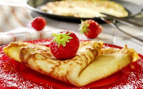 cuisine co bon appetit crepe company serving crepe for