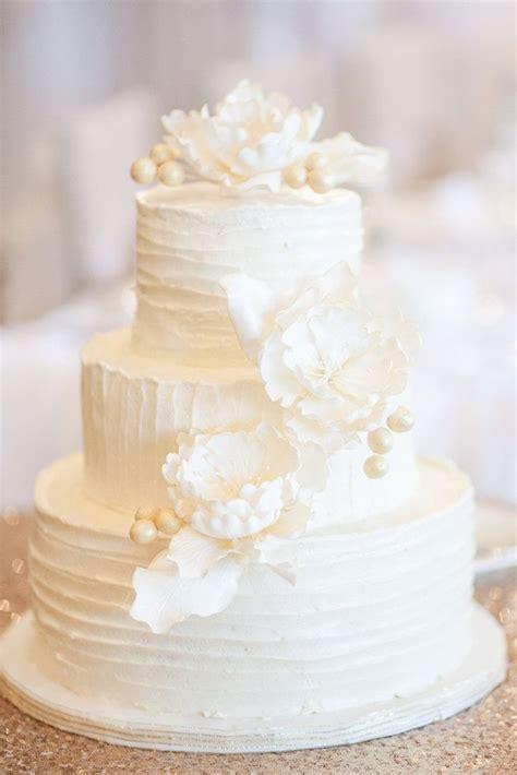 amazing  white wedding cakes amazing wedding cakes