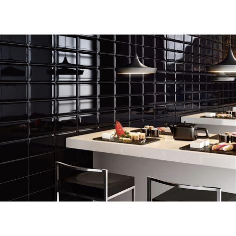 cuisine carrelage metro carrelage mural noir style métro salle de bain et cuisine 12 5x25 black collection pun ascot