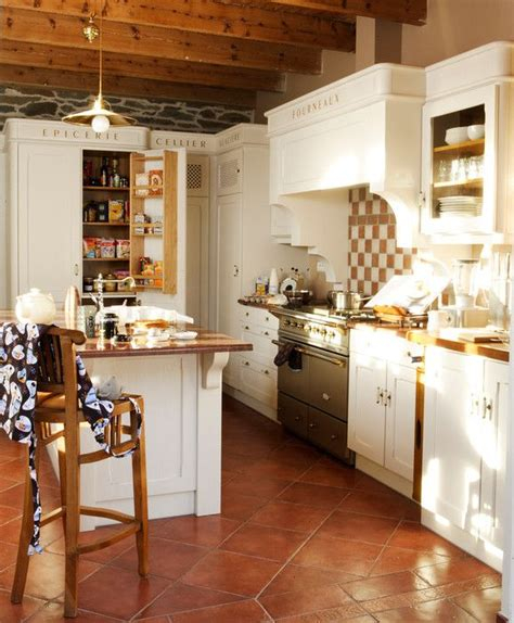 cuisine cottage fabricant cuisine style cottage agencement sur mesure bois