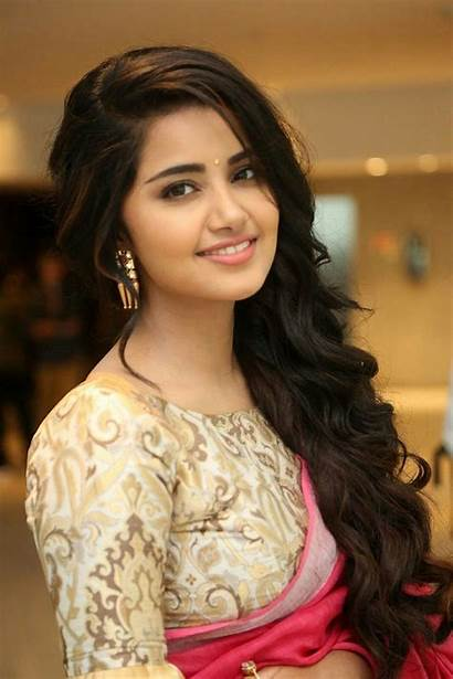 Anupama Parameswaran Actress Stylish Dps Dp Smiling
