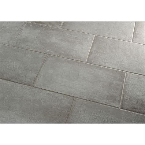 gray tile floor 25 best ideas about porcelain floor on pinterest bathroom flooring tile flooring and wall