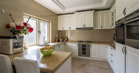 pictures of green kitchens american country style white kitchen cabinets 4203