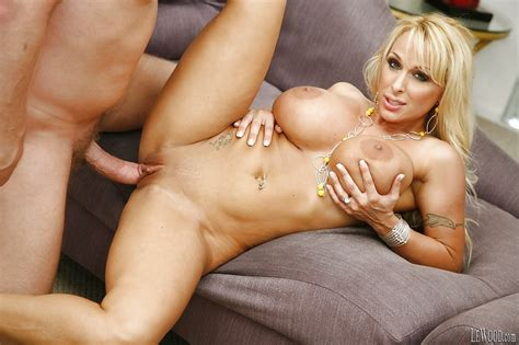 Big Tit Milf Holly Halston Has Her Tight Pussy Dobler96
