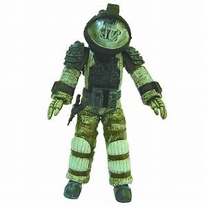 ALIEN Nostromo Astronaut Facehugged Figure Kit - Diamond ...
