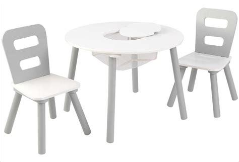 table et chaises enfants table ronde en bois pour enfant et ses deux chaises