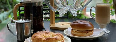 According to a fascinating new study published in the british journal of nutrition, if you have your morning dose of caffeine before you eat your breakfast, you could be negatively impacting your blood sugar levels and ultimately raising your risk of developing heart disease and diabetes down the road. Coffee & Breakfast Menu