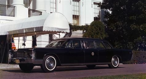 the presidential limo otherwise known the next presidential limo won t be a lincoln carscoops