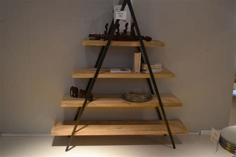 complementi d arredo ferro battuto libreria con struttura in ferro battuto e ripiani in legno