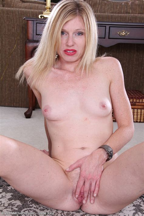 Hot Older Women 36 Year Old Tommi