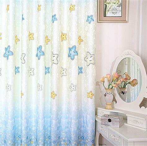 rideaux chambre garcon rideau chambre garcon couleur bleu pour chambre ado