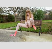 Abbywinters Noelle Solo Nude Girls Peeing Outdoors Noelle August P Photo