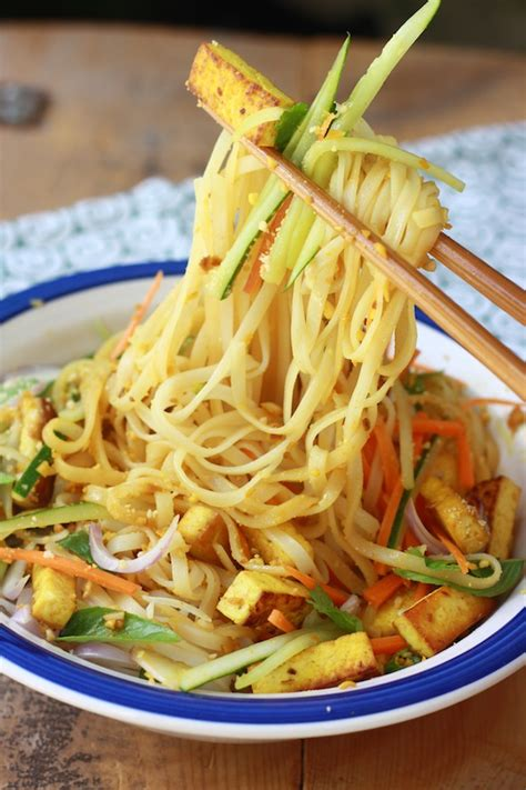 rice noodle recipe rice noodle salad with spicy lemongrass dressing season with spice
