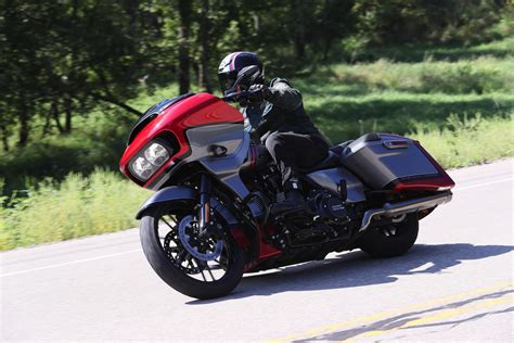 Review Harley Davidson Road Glide by 2019 Harley Davidson Cvo Road Glide Review 17 Fast Facts