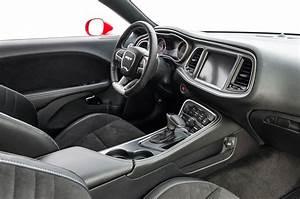 2015 Dodge Challenger Srt Hellcat Interior 03 Photo 8