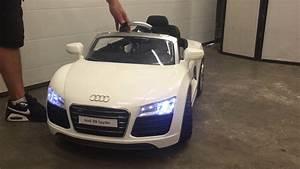 Voiture Electrique Bebe Audi : voiture electrique audi r8 spyder youtube ~ Dallasstarsshop.com Idées de Décoration