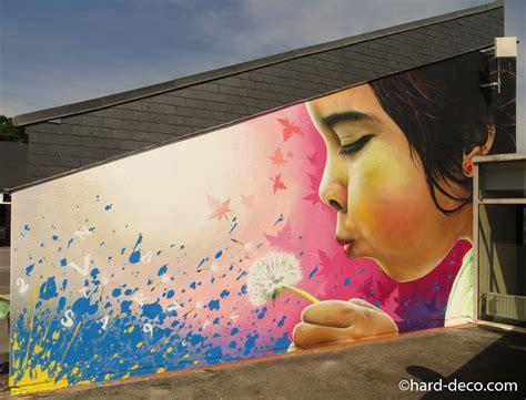 fresque murale chambre fille fresque murale réalisée à la bombe aérosol dans une école