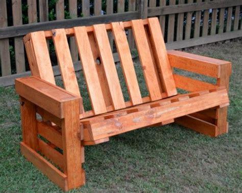 remodelaholic   build  pallet bench