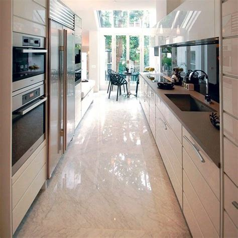 ideas for narrow kitchens 25 best ideas about small galley kitchens on