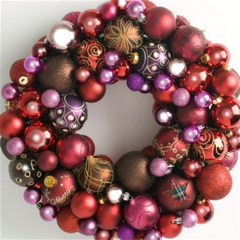 heirloom bauble wreath redspinks christmas wreaths direct