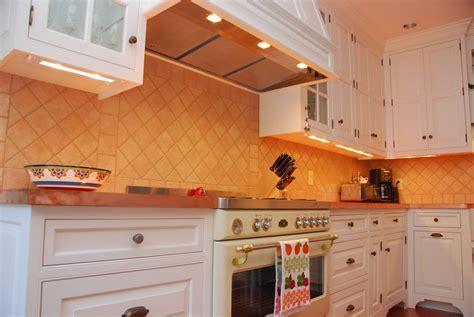 Installing low voltage under cabinet lighting On WinLights