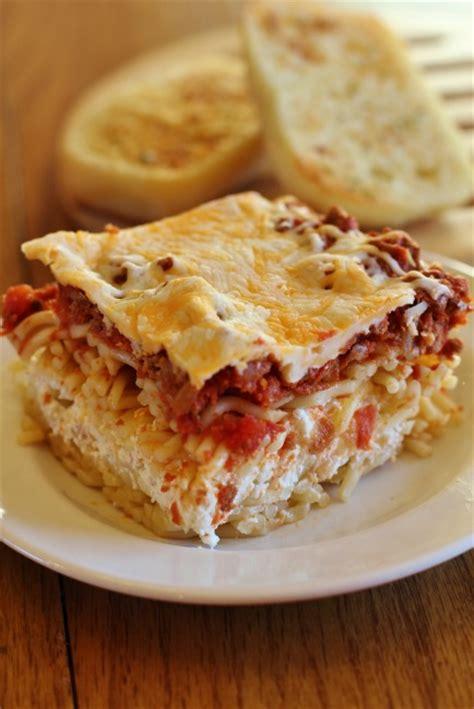 spaghetti casserole million dollar spaghetti casserole joyful mommas kitchen