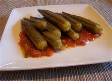 cuisiner les gombos gombos bamya sauce tomate plat du jour recettes de
