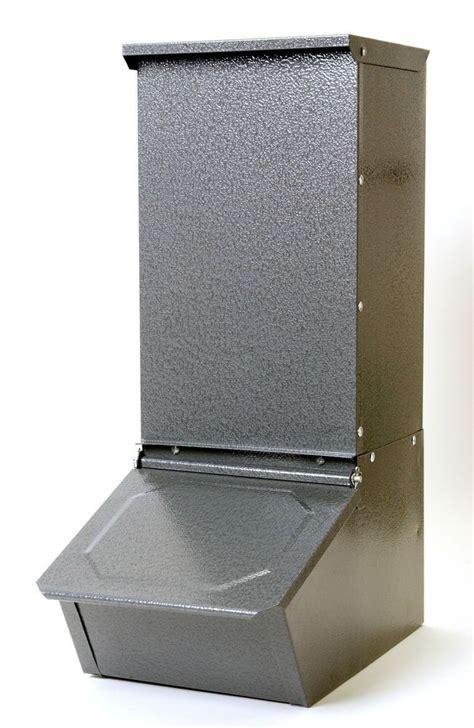 50 pound capacity for the barn single doors pig farming dog feeder
