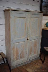 Armoire D Atelier : ancienne armoire d 39 atelier en bois par le marchand d 39 oublis ~ Teatrodelosmanantiales.com Idées de Décoration