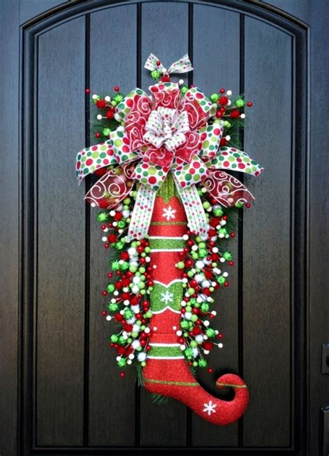 craft christmas wreath  ideas  unusual materials