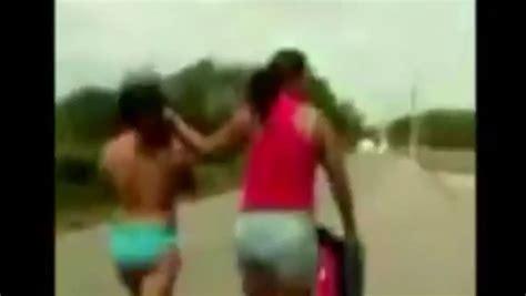 Chicas sorprendidas desnuda downlod pic
