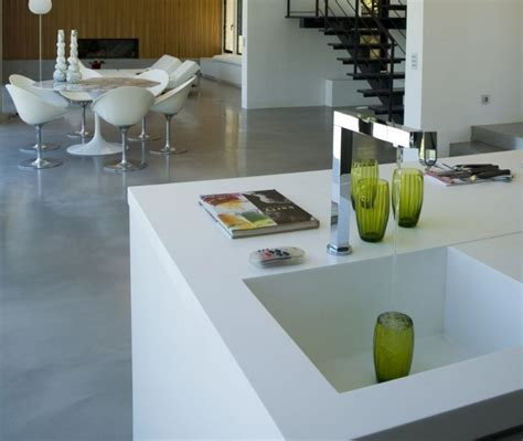 cuisiniste sur mesure cuisiniste sur mesure en produit de synthèse mobistrat mobilier décoration architecture