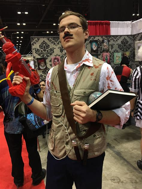 dr richthofen cosplay   megacon raygun included