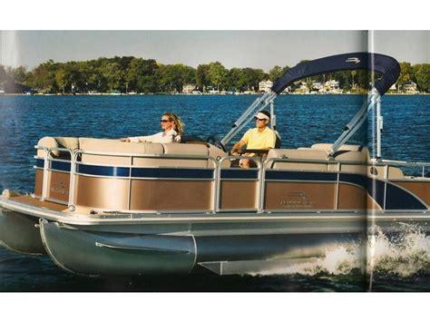 Bennington Pontoon Boat Cer Enclosure by 2014 Bennington Pontoon 2575 Rcwb Powerboat For Sale In