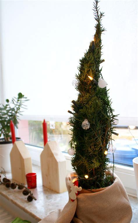 Weihnachtsbaum Aus Tannenzweigen by Weihnachtsdeko Selbst Gemacht Diy Chaosmitstil