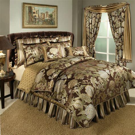 wonderland  austin horn luxury bedding
