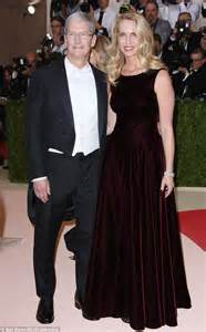 laurene powell jobs young steve jobs widow laurene powell jobs attends met gala