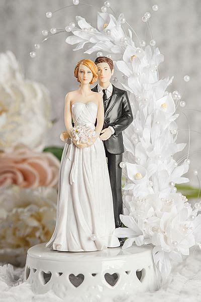mix  match bride  groom calla lily arch wedding cake