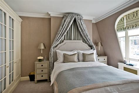traditional bedroom   curtains  bed