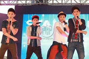 Gimme 5 and Andrea Brillantes in denim fashion parade ...