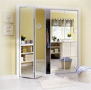 Dressing Avec Miroir : les portes de placard pliantes pour un rangement joli et ~ Teatrodelosmanantiales.com Idées de Décoration