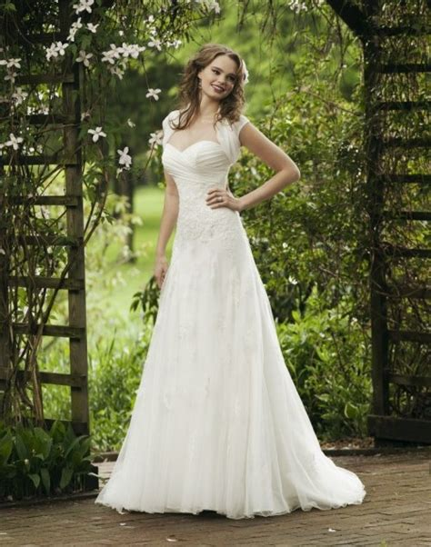 garden wedding dresses glamorous and gorgeous outdoor wedding dresses ohh my my