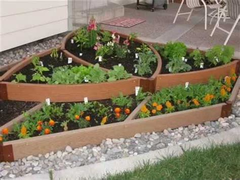vegetable garden designs  small yards  vegetable