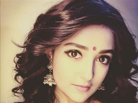 Monali Thakur's Reply To A Person Having A Problem With