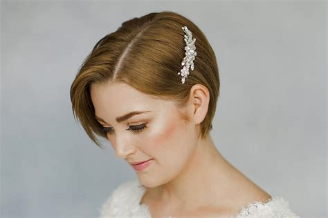 How To Style Wedding Hair Accessories With Short Hair